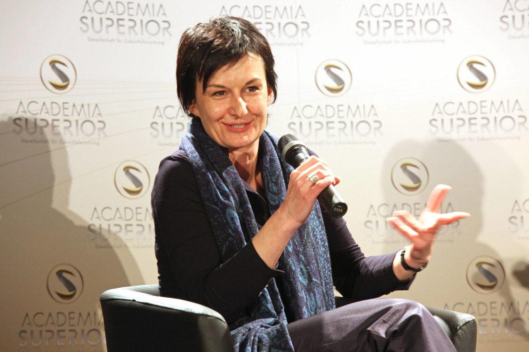 Cornelia Vospernik in DIALOGUE