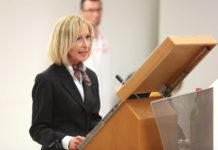Anita Rieder im Jahr 2013 bei der Präsentation der Academia Superior Studie zur Gesundheit in OÖ