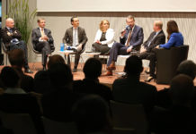 At the Podium: Günther Vormayr (Landesschulrat OÖ), Axel Greiner (IV OÖ), Curt Michael Stoll (Festo AG), Catharina Paukner (Cambridge Nanosystems), Michael Strugl (Academia Superior) und Erich Gornik (Universität Wien)
