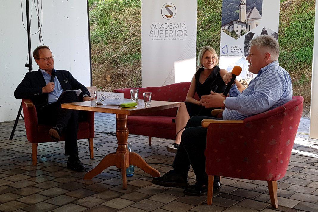 Markus Hengstschläger, Martina Mara und Sepp Hochreiter beimKamingespräch in Alpbach