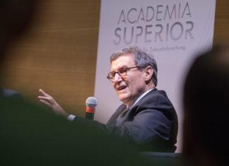 Mitchell Ash bei der Diskussion zur US-amerikanischen Außenpolitik 2017