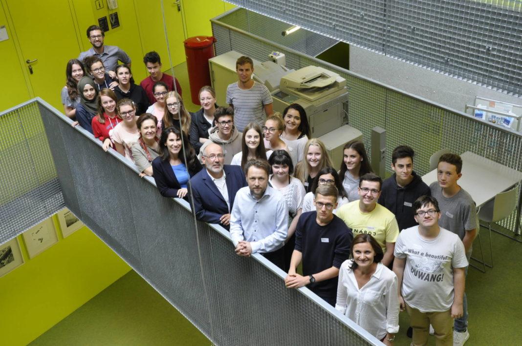 Dachsberger SchülerInnen beim Workshop mit ExpertInnen in der JKU