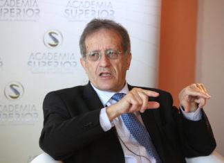 Helmut Kramer beim Symposium 2012