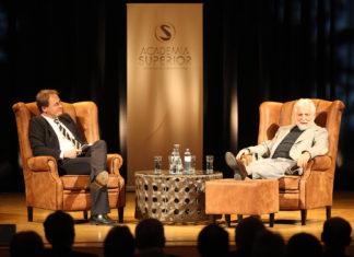Markus Hengstschläger und Carl Djerassi beim PLENUM des Symposiums 2012