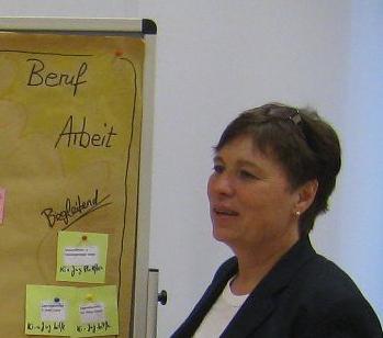 """DSp (FH) Doris Hagspiel ist als Projektleiterin """"Regionale Schnupperlabore"""" und als Regionalmanagerin in der RMOÖ GmbH für den Bereich Arbeitsmarkt und Qualifizierung tätig."""