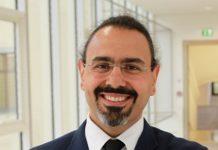 KUROSCH YAZDI, geb. 1976, ist Facharzt für Psychiatrie und Psychotherapeut. Der gebürtige Iraner studierte in Wien Medizin und absolvierte in Salzburg seine Facharztausbildung. Seit 2012 leitet er in Linz eine Krankenhausabteilung für Suchtkranke