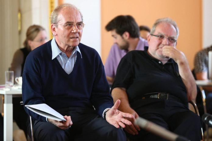 Erich Gornik beim Symposium 2014