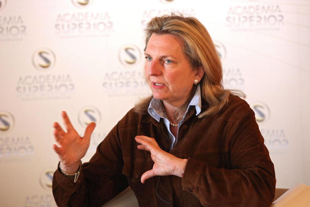 Karin Kneissl beim Symposium 2011