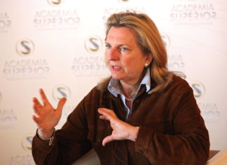 Karin Kneissl at the Symposium 2011