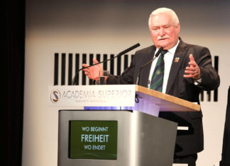 Lech Walesa at the Symposium 2016