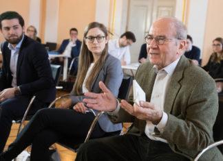 Erich Gornik beim Symposium 2018