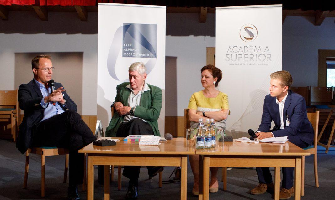 Foto 1: Markus Hengstschläger, Hannes Androsch, Barbara Herzog-Punzenberger und Moderator Benedikt Polzer © APA/ Florian Lechner