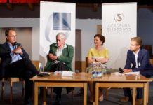 Photo 1: Markus Hengstschläger, Hannes Androsch, Barbara Herzog-Punzenberger und Moderator Benedikt Polzer © APA/ Florian Lechner