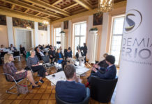 Diskussion beim SURPRISE FACTORS SYMPOSIUM 2019