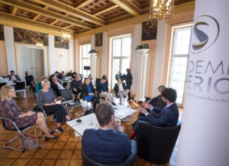 Diskussion beim SURPRISE FACTORS SYMPOSIUM 2019