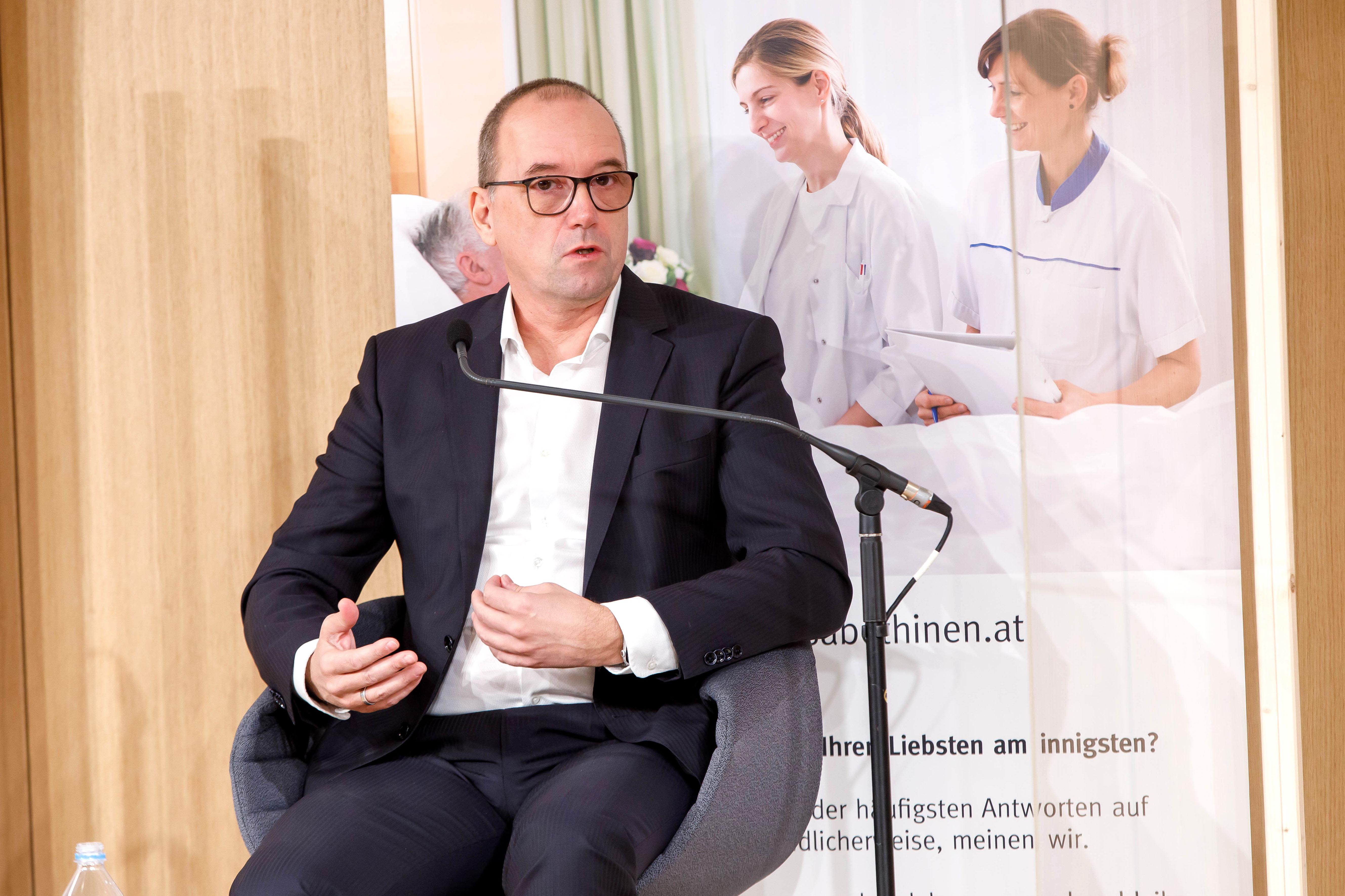 Foto 4: Mag. Oliver Rendel, Geschäftsführer elisabethinen linz- wien gmbh